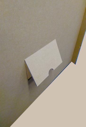 災害用簡易安眠ハウス 換気・安否確認用小窓付き